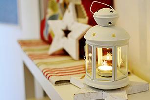 5 Cara Membuat Rumah Terlihat Lebih Menarik - lilin - jasa interior bogor