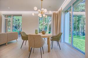 5 tips membuat ruang tamu modern - tambahkan lebih banyak jendela - jasa interior bogor